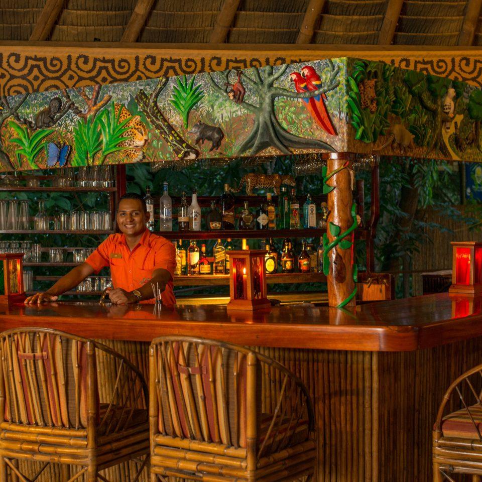 Bar restaurant tavern stall altar dining table