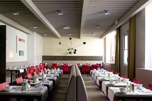function hall conference hall auditorium long convention center meeting restaurant ballroom banquet Bar lined line