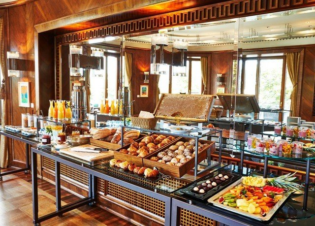 bakery buffet food delicatessen breakfast brunch pâtisserie counter restaurant fast food restaurant fast food Bar