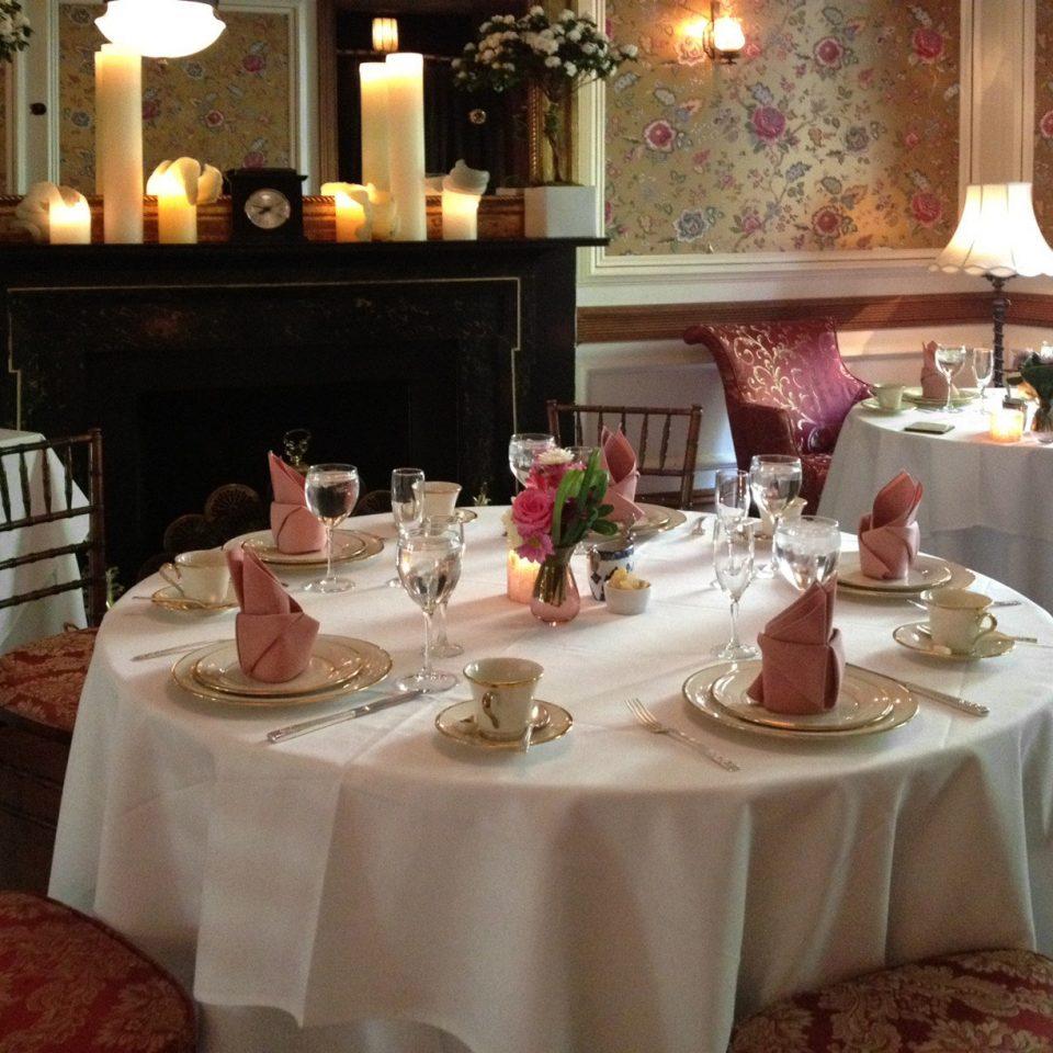 restaurant function hall banquet centrepiece set fancy Bar