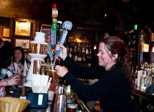 Bar restaurant bartender