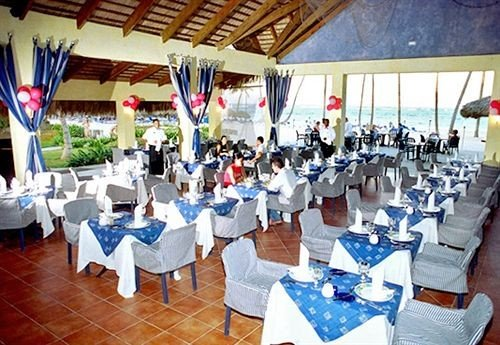 Bar Beach Beachfront Dining Eat Luxury Modern Ocean Romantic function hall banquet restaurant Party