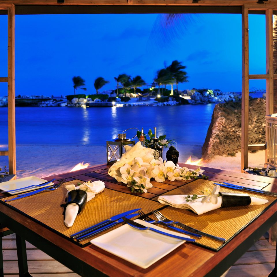 Bar Beach Beachfront Dining Drink Eat Elegant Luxury Ocean Scenic views Resort home swimming pool restaurant