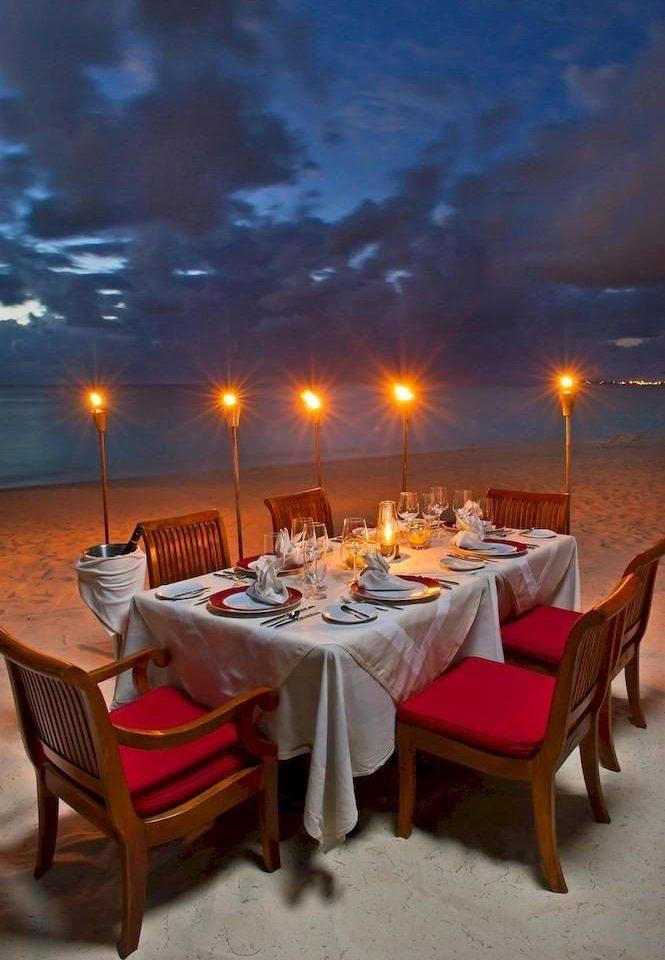Bar Beachfront Dining Drink Eat Scenic views restaurant red Resort