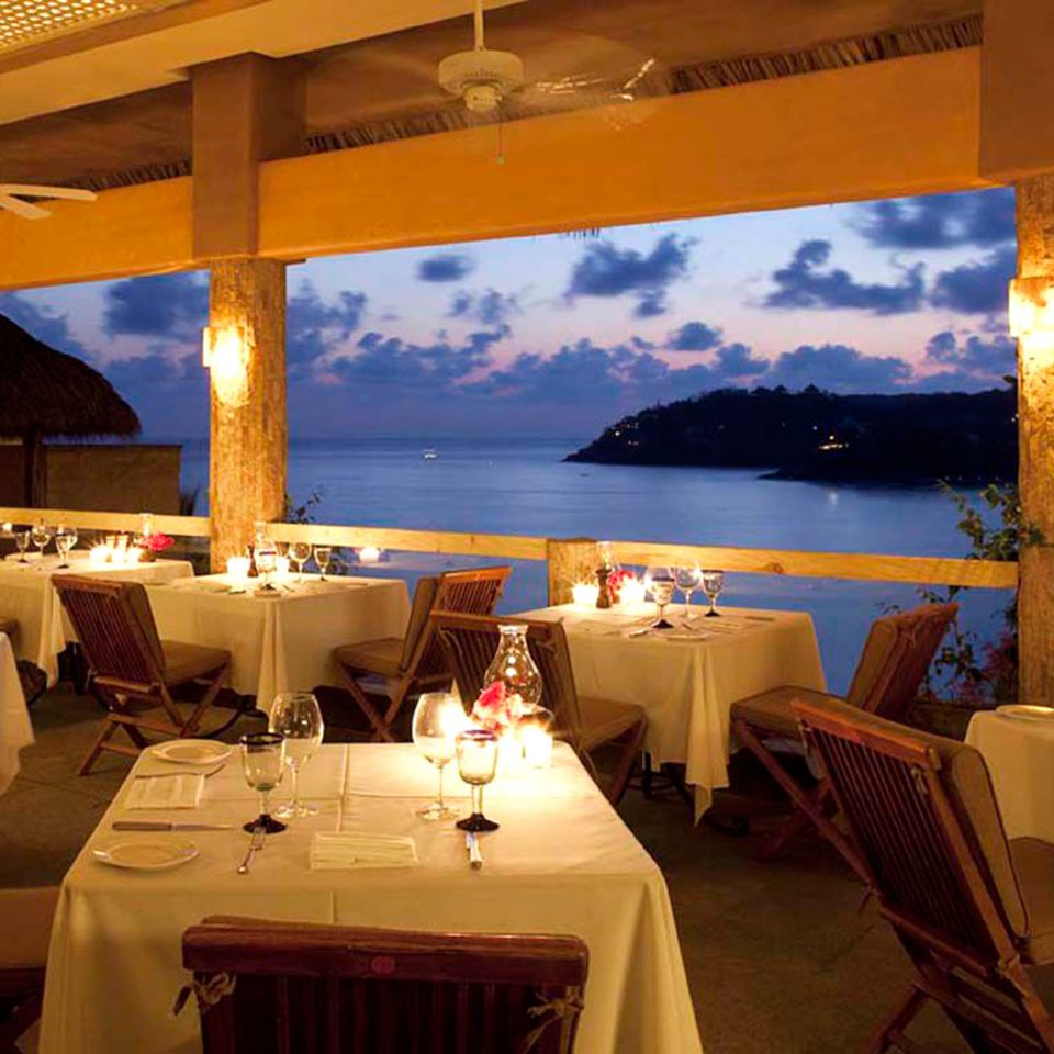 Bar Beachfront Dining Drink Eat Romantic Scenic views restaurant Resort function hall Villa yacht