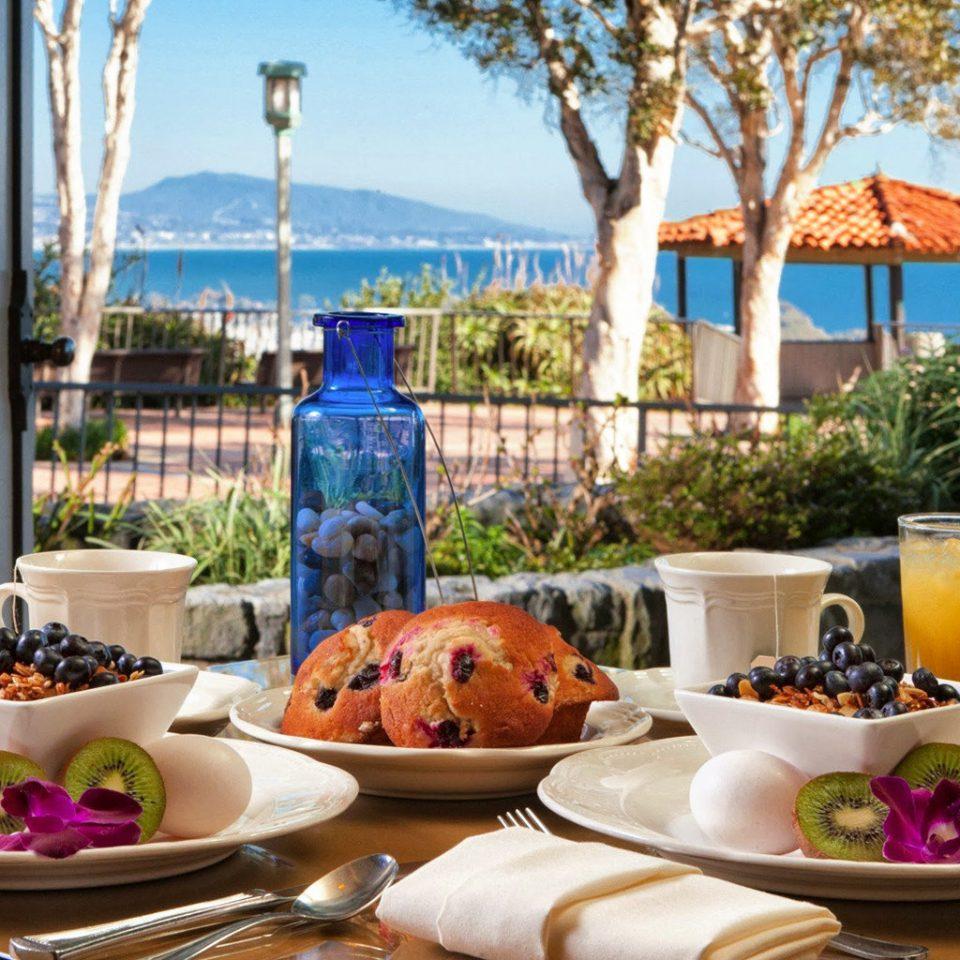 Bar Beachfront Dining Drink Eat Ocean plate sky food Resort restaurant brunch home