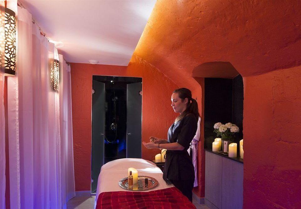 color red restaurant Bar orange Bedroom