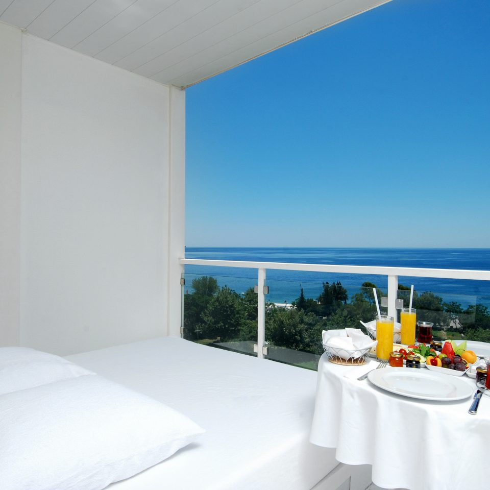 Bar Dining Drink Eat Hip Luxury Modern Scenic views property Villa white cottage Suite Bedroom