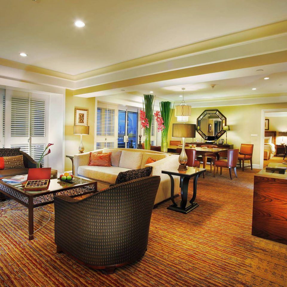 Bar Dining Drink Eat Luxury property condominium living room home Suite hardwood recreation room Resort Villa Bedroom