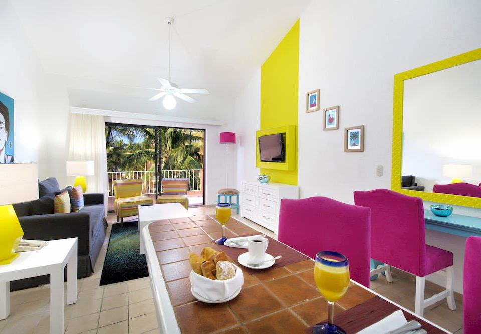 Bar Dining Drink Eat Hip Lounge Modern property condominium living room Villa Suite Resort Bedroom