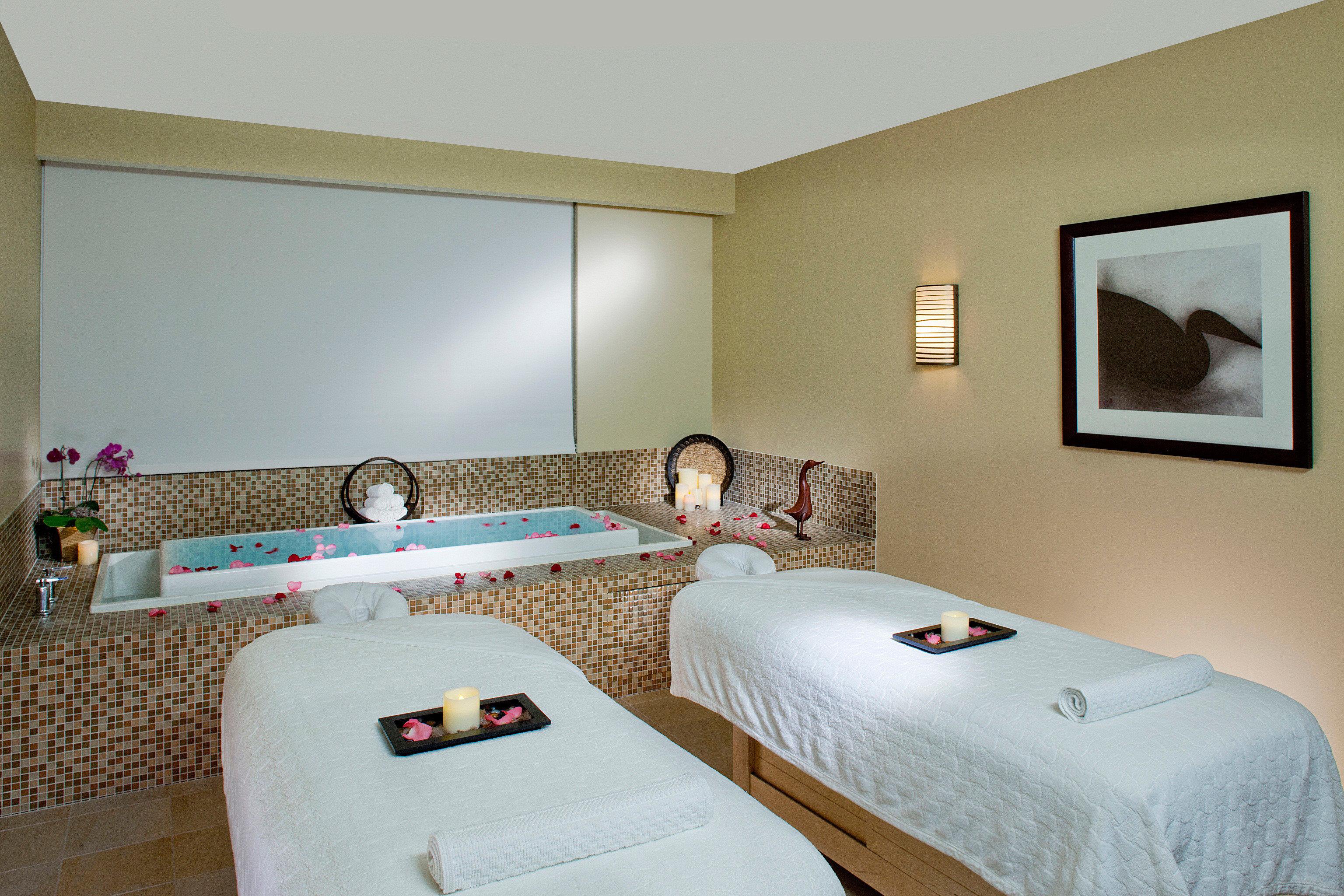 Bar Luxury Romantic Spa property Bedroom Suite cottage