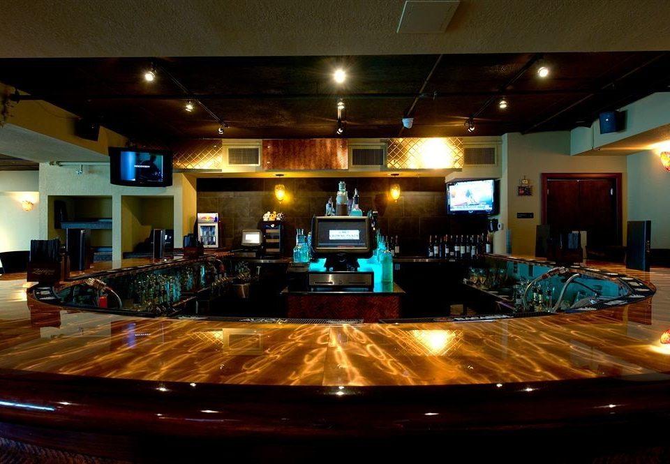 billiard room recreation room Bar function hall nightclub
