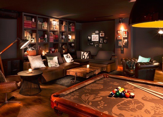 recreation room billiard room living room screenshot Bar