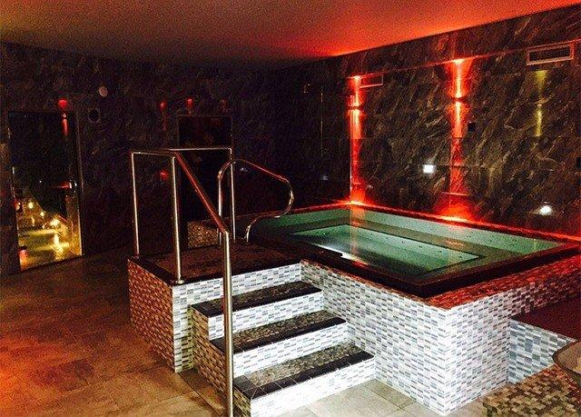 billiard room recreation room stage Bar nightclub night