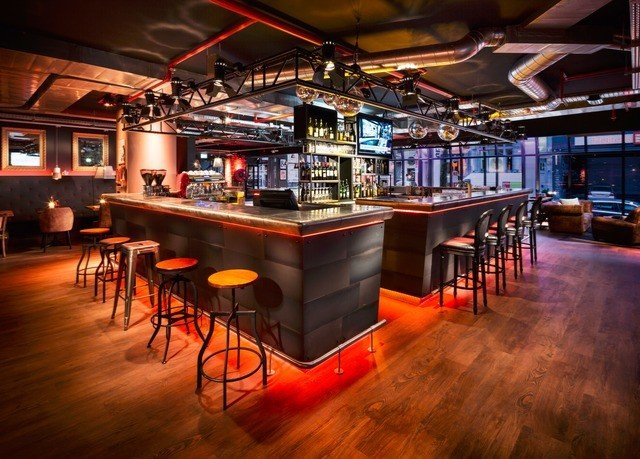 recreation room Bar billiard room nightclub