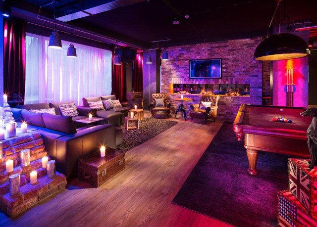 recreation room billiard room nightclub Bar