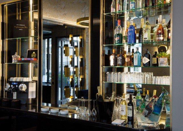 Boutique shelf display window retail Bar art store restaurant glass