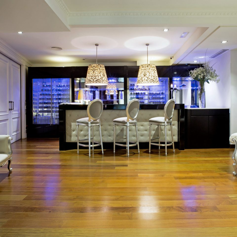 Bar Boutique Budget City Drink Lounge Modern sofa property living room condominium conference hall Suite Lobby hard function hall recreation room flooring clean