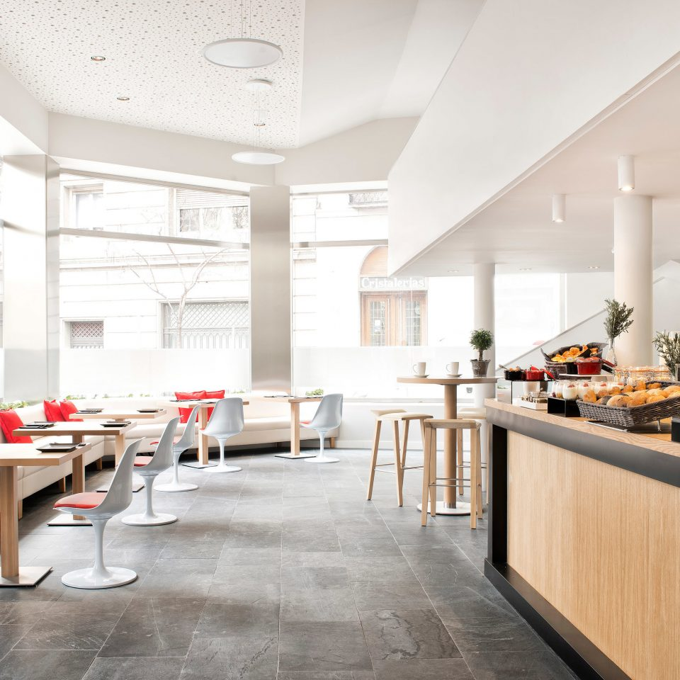 Bar Boutique Budget City Dining Drink Eat Hip property Lobby restaurant function hall cafeteria conference hall flooring