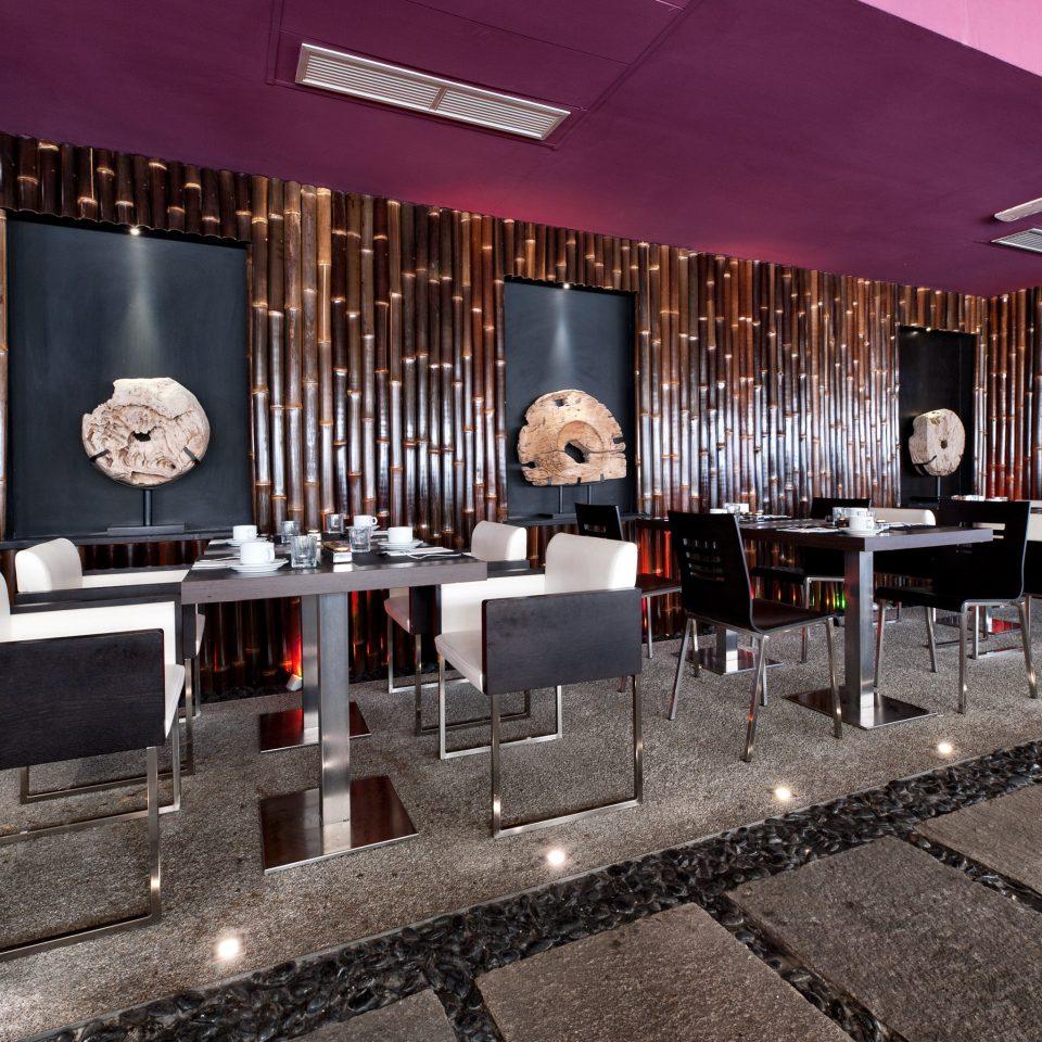 Budget City Dining Eat Hip Boutique restaurant Lobby Bar