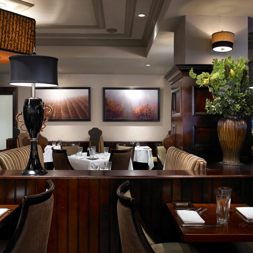 Boutique City Dining Drink Eat property home restaurant Lobby living room Bar Suite Island