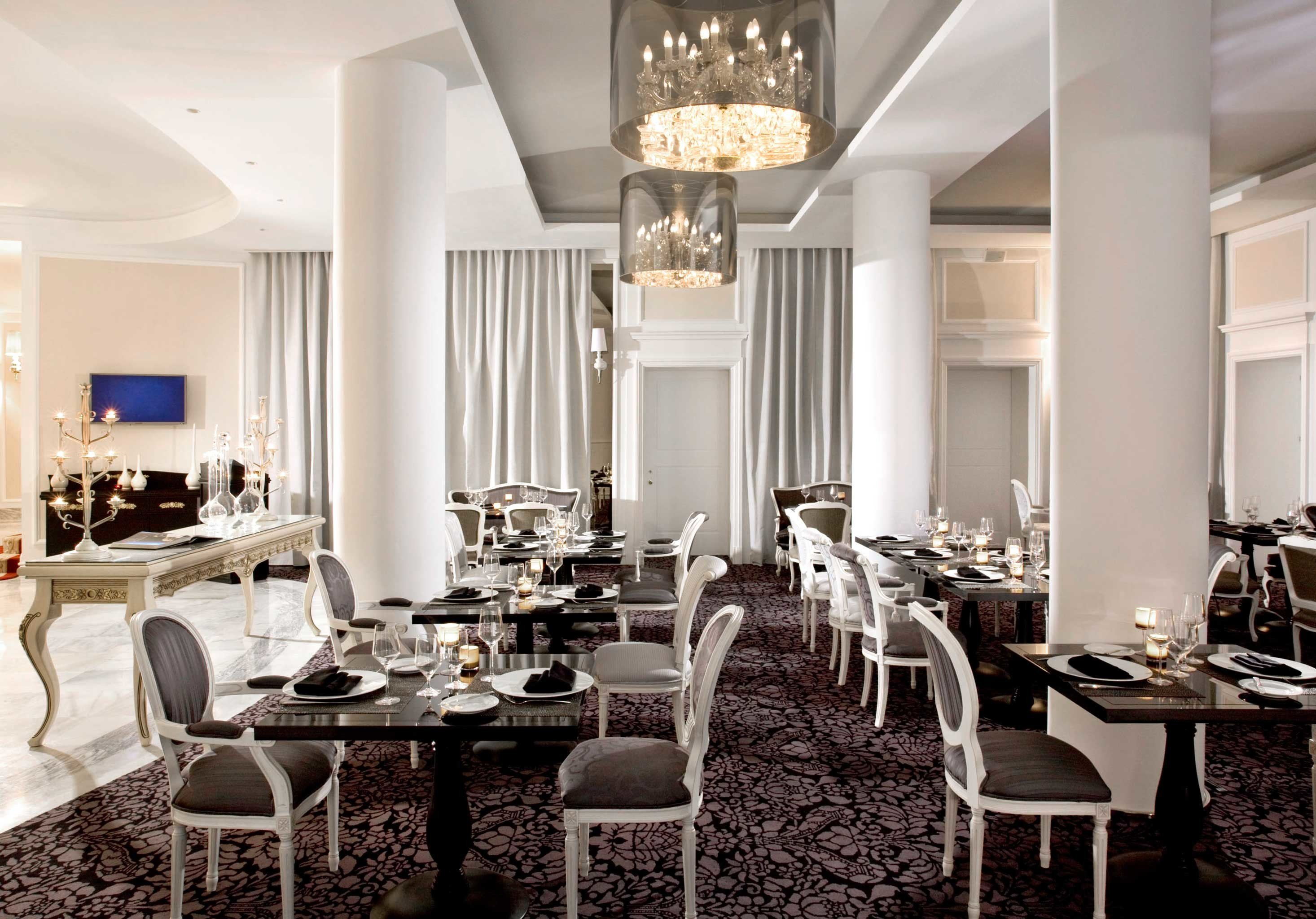 Bar Boutique City Dining Drink Eat chair property restaurant living room home lighting function hall dining table