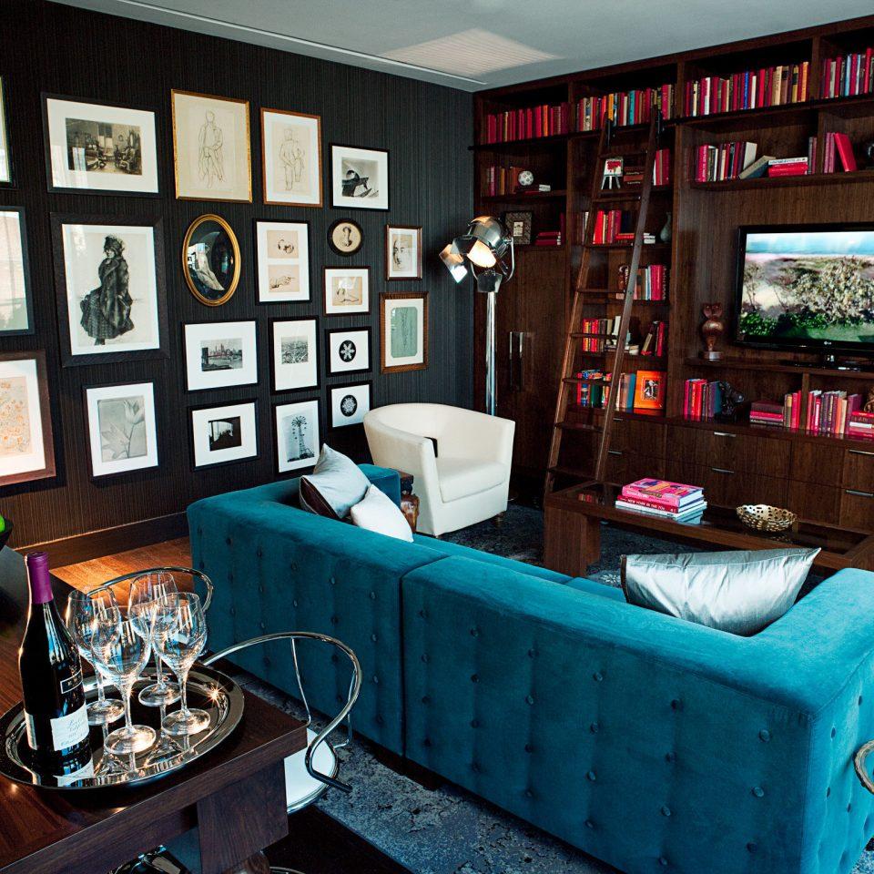 Boutique City Drink Lounge Modern restaurant Bar living room cluttered
