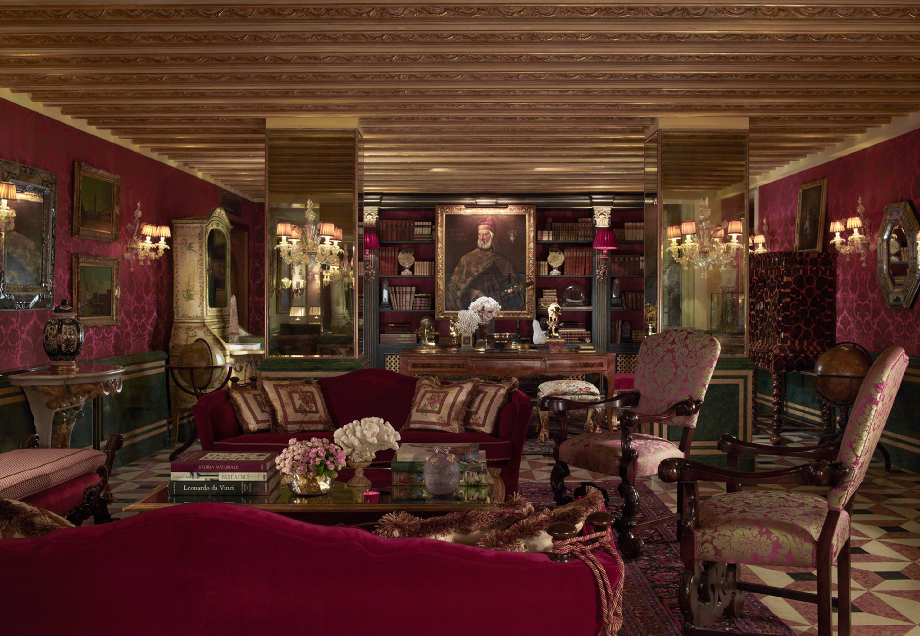 City Elegant Historic Lounge Luxury Trip Ideas restaurant red Boutique Bar