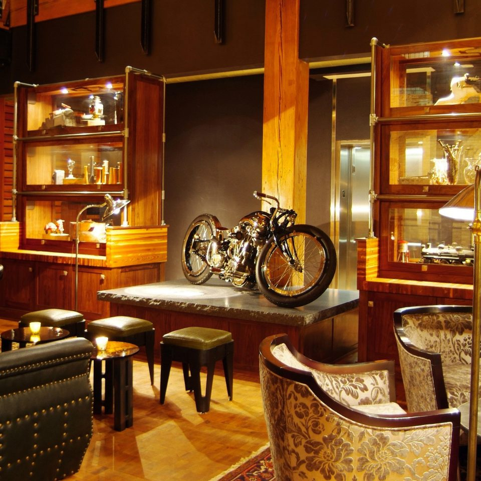 Boutique City Lobby Lounge property home Bar cabinetry restaurant