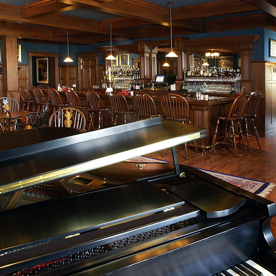 Bar Boutique Country Drink Historic Music piano electric organ