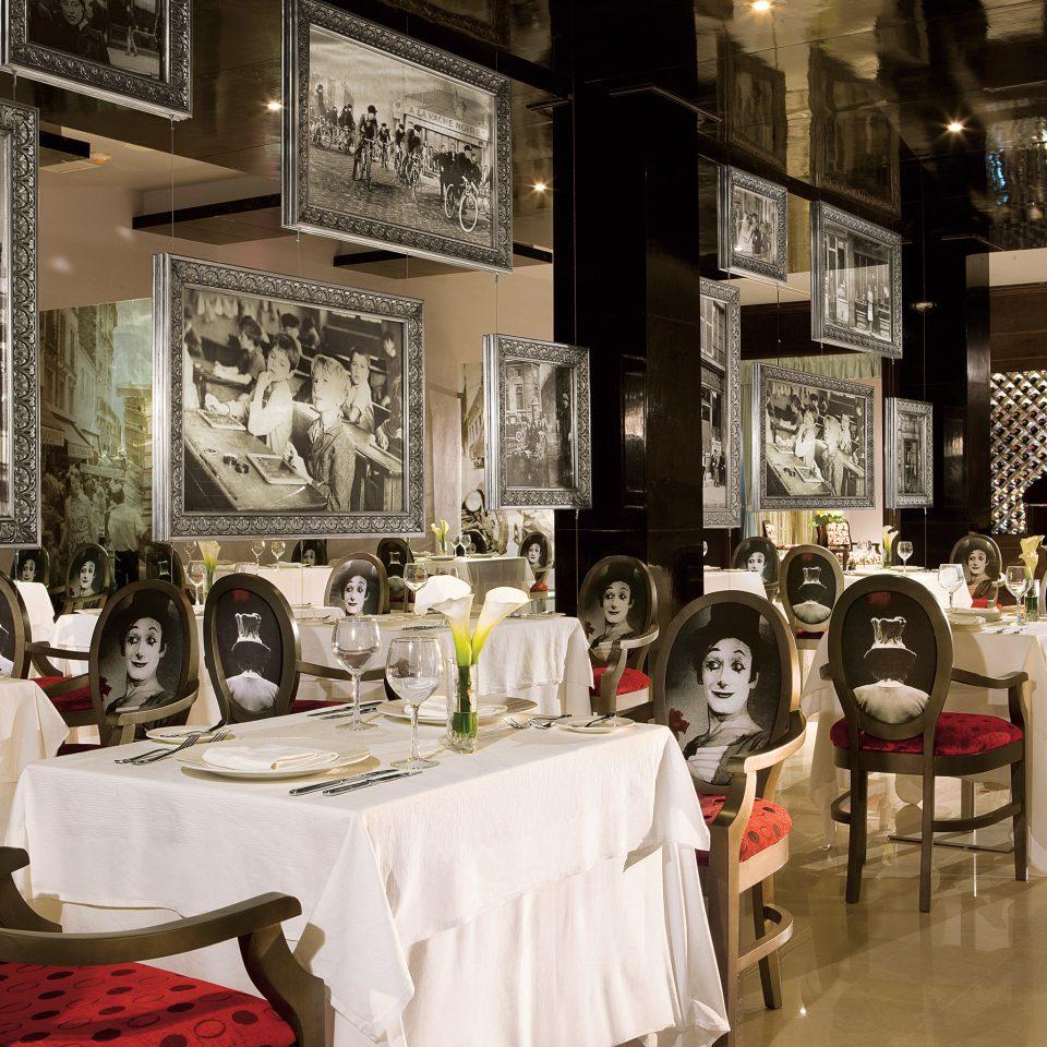 Bar Dining Drink Eat Elegant Luxury Modern restaurant Boutique cluttered