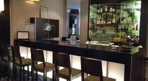 property Bar restaurant Boutique dining table