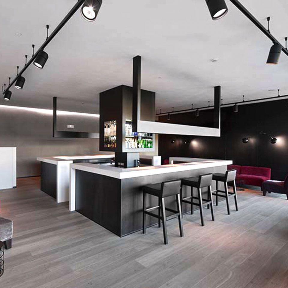 Bar Boutique Hip Kitchen property living room home lighting hearth loft