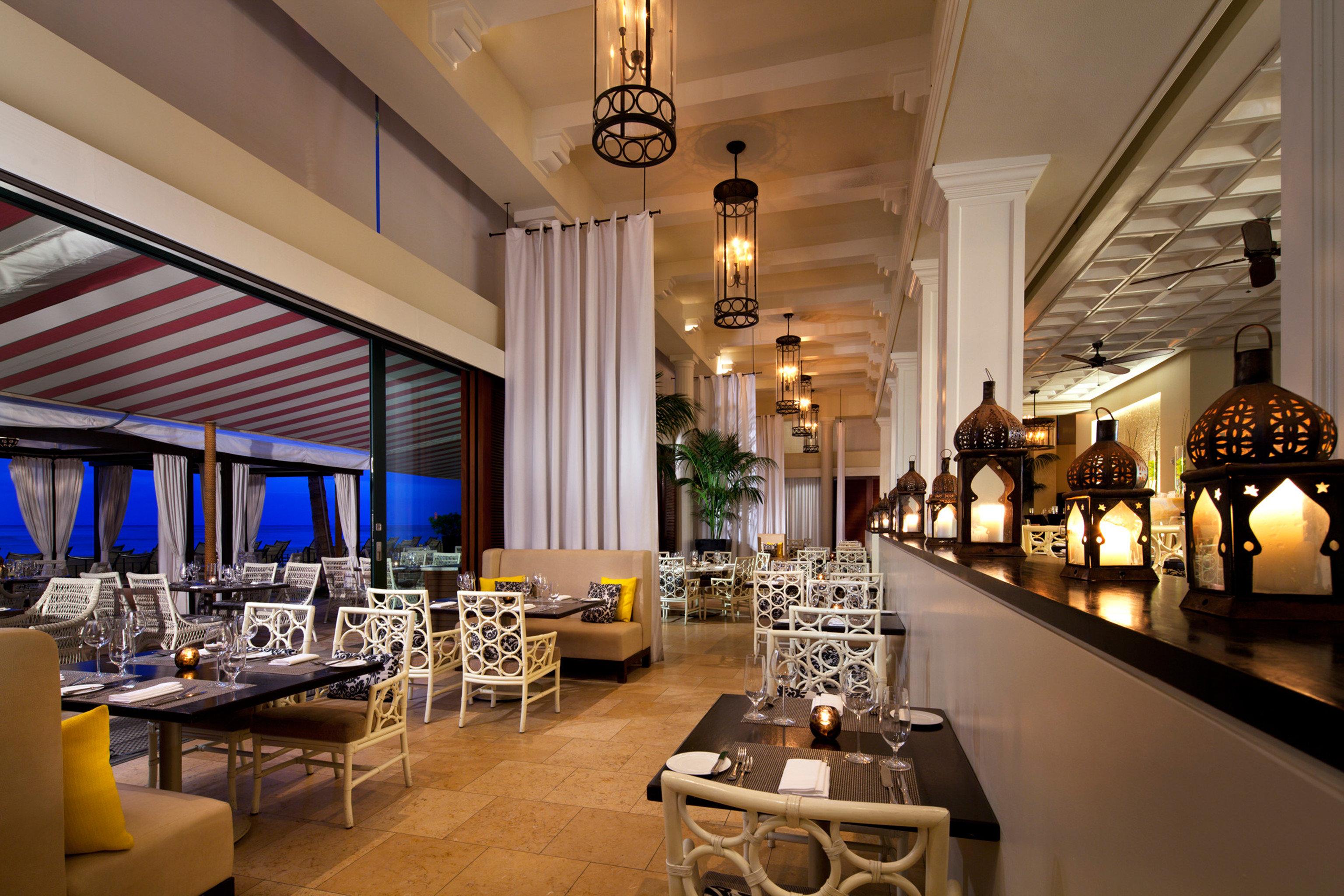 Boutique Hotels Hawaii Honolulu Hotels restaurant function hall Lobby Dining ballroom Bar Island