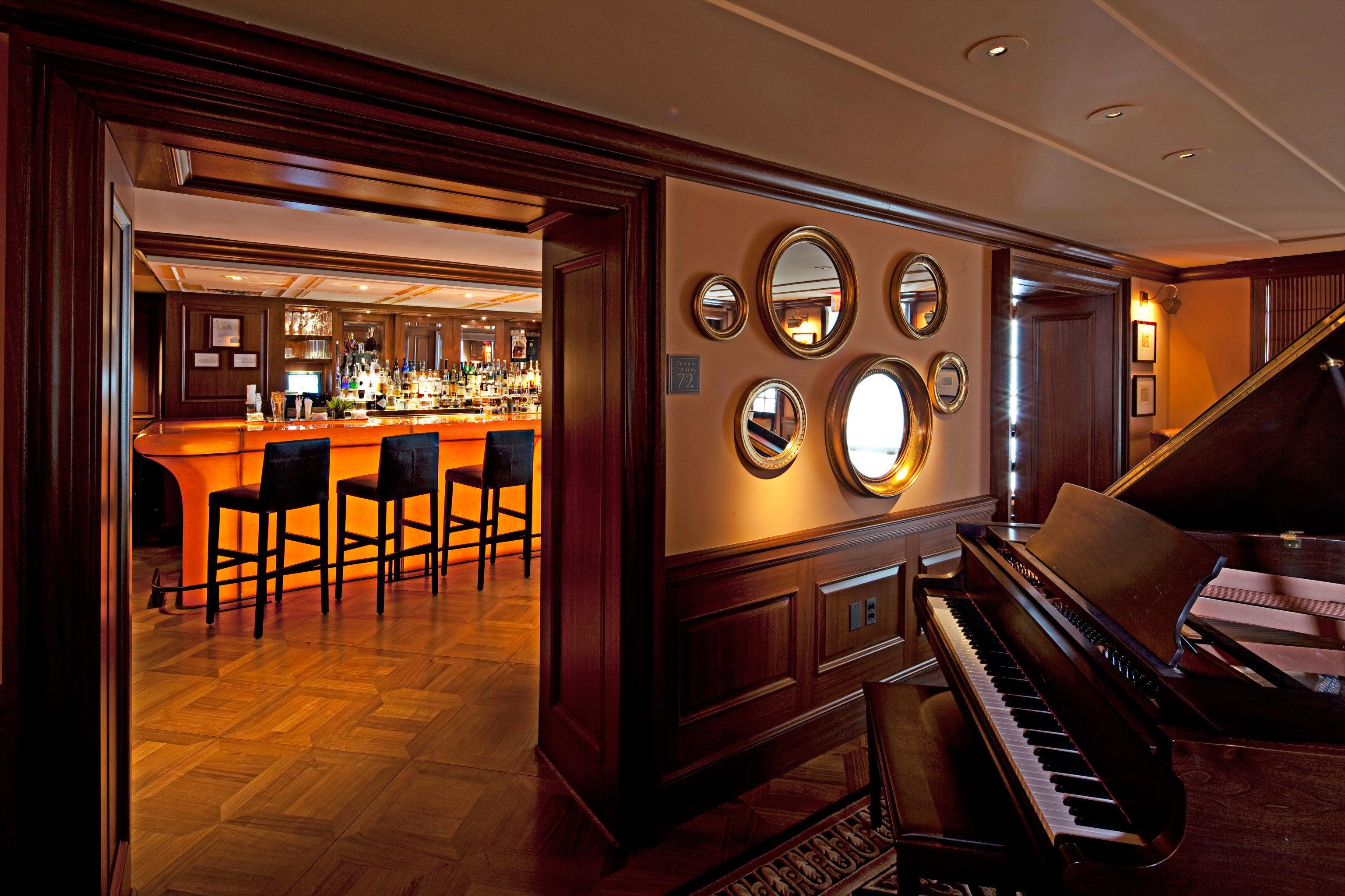 Bar Boutique Hotels Drink Hotels recreation room Lobby home mansion screenshot living room