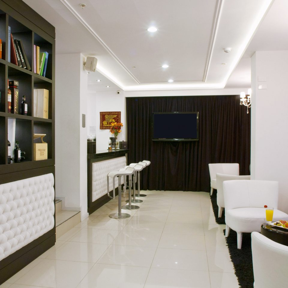 Bar Boutique Lounge property restaurant living room condominium Lobby