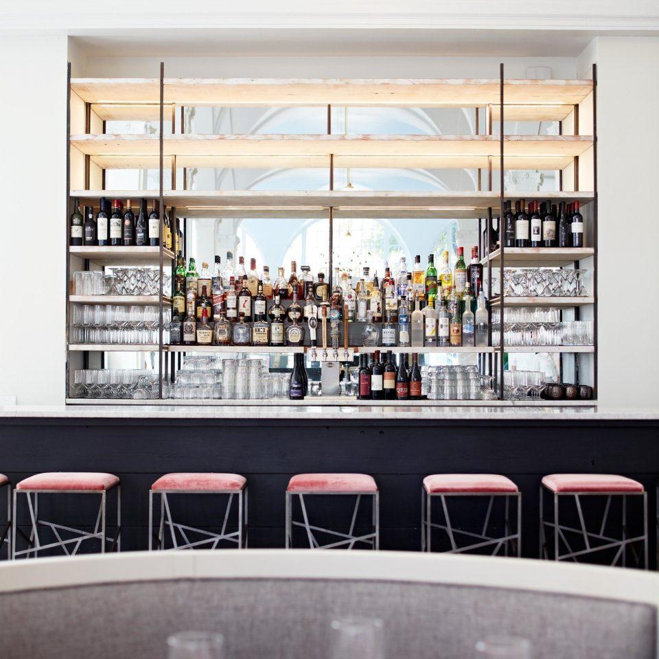 restaurant brand Bar