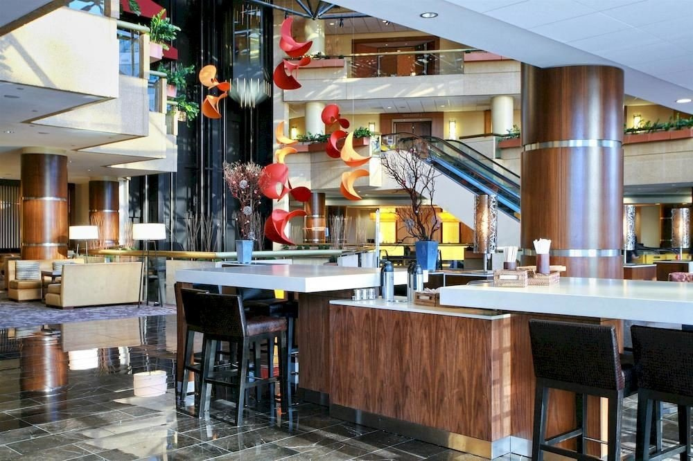 Bar Budget Business Lobby Kitchen property restaurant cuisine food Island worktable