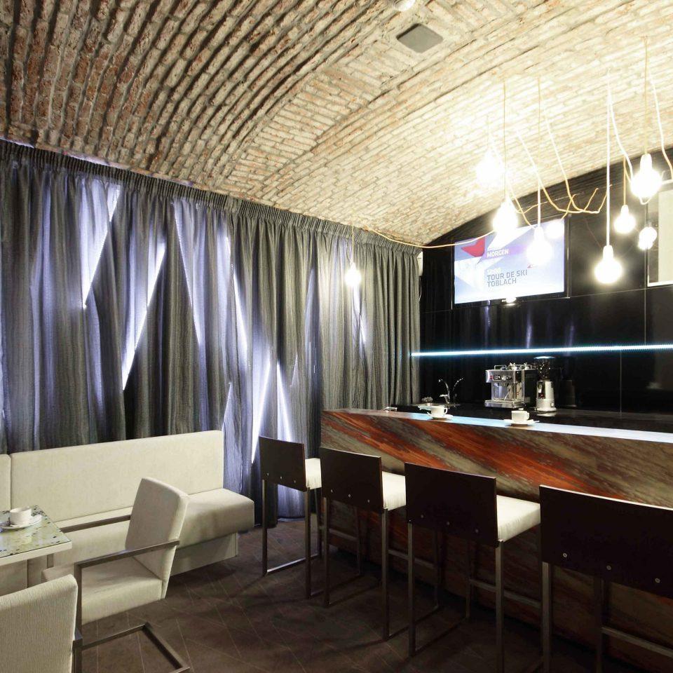 Bar Budget City Dining Drink Eat Modern property restaurant Lobby