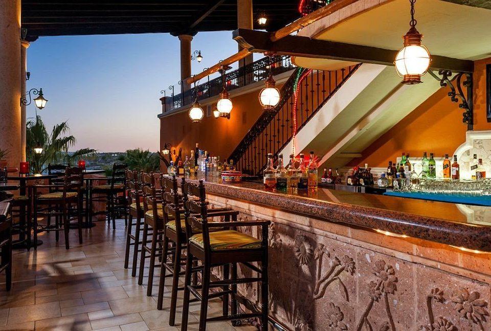 Bar Budget Dining Drink Eat Resort Tropical Waterfront restaurant tavern