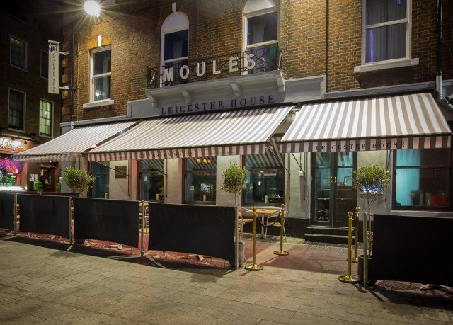 building restaurant Bar tavern outdoor structure coffeehouse stall