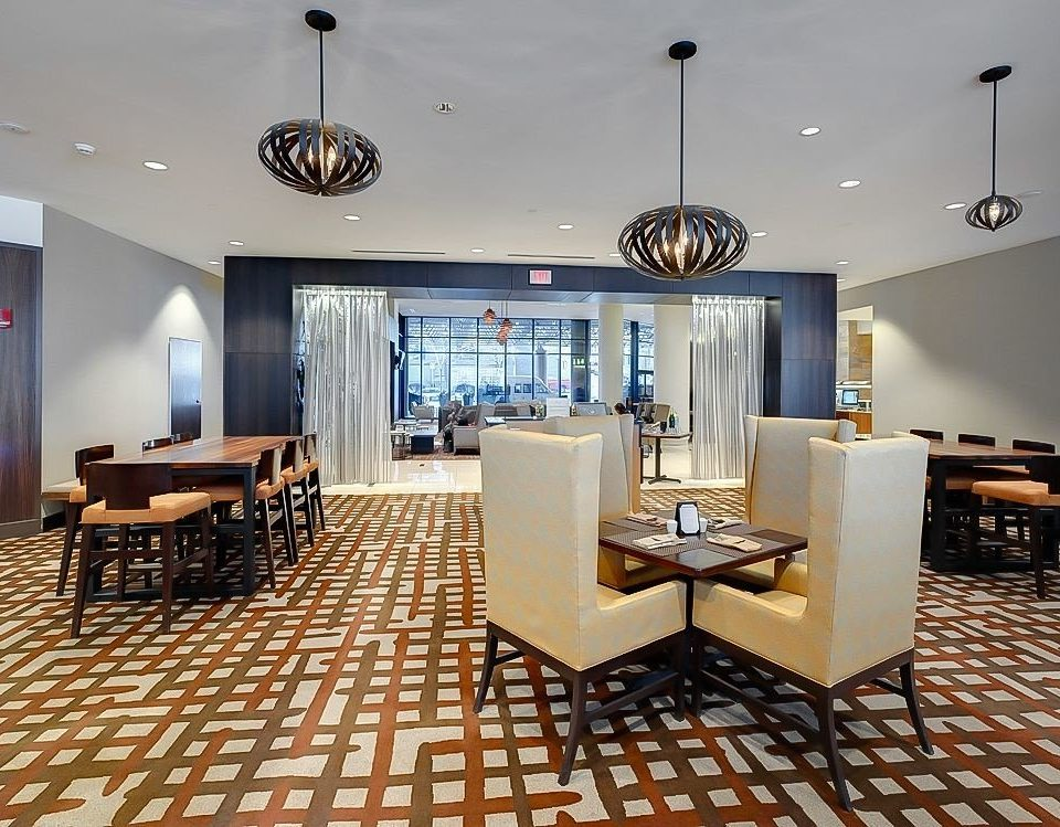 Bar Business Dining Drink Eat chair property living room Lobby lighting home condominium Suite restaurant Modern