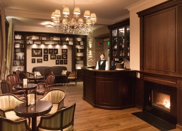 property cabinetry home Bar living room mansion