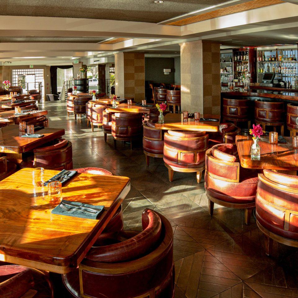 restaurant café Bar cluttered