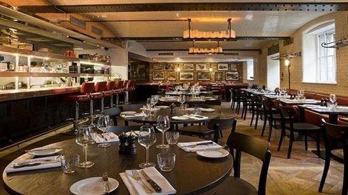restaurant scene Bar function hall café