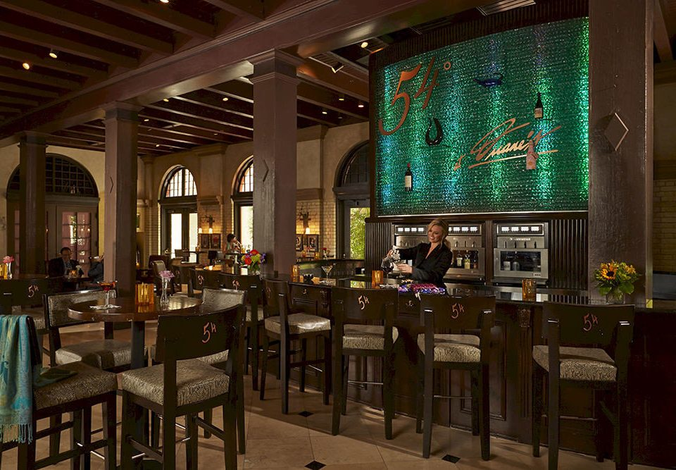 restaurant Bar café tavern function hall