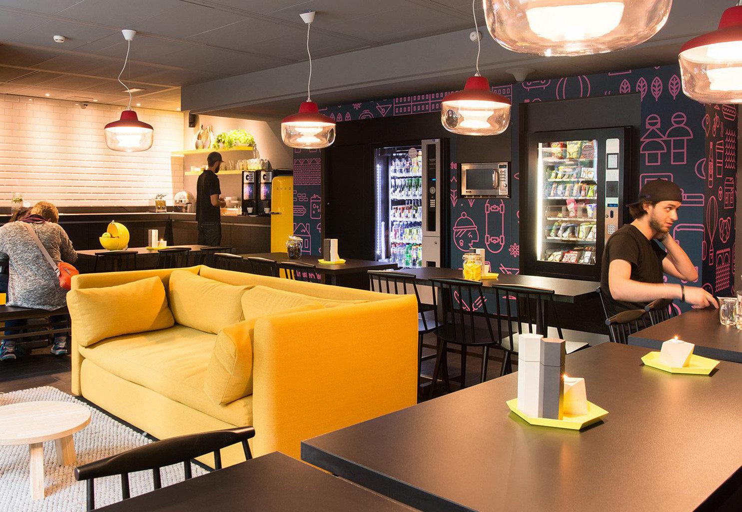 Bar restaurant recreation room café