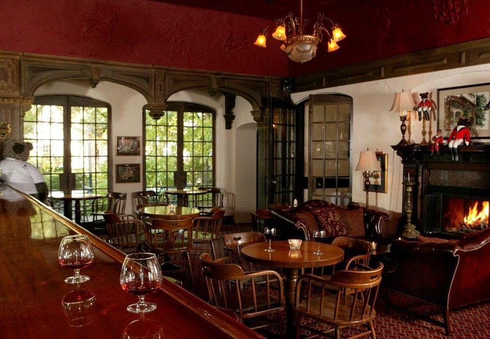 Bar restaurant tavern café