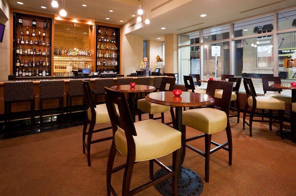 chair restaurant café Bar cafeteria coffeehouse dining table