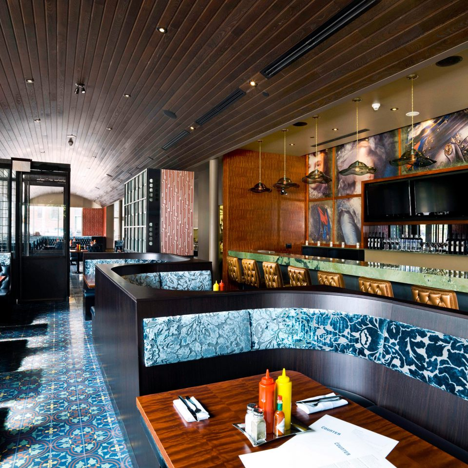 Canada City Dining Drink Eat Hip Hotels Modern Toronto property home Lobby recreation room Bar restaurant living room